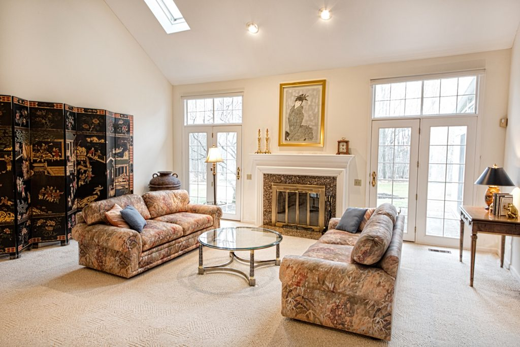 Elegant living room in Chagrin Falls