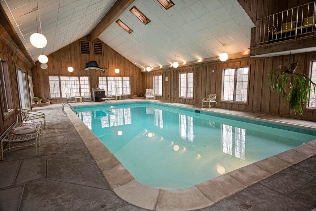 Elegant indoor swimming pool