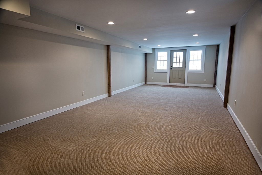 Spacious room in Chagrin Falls