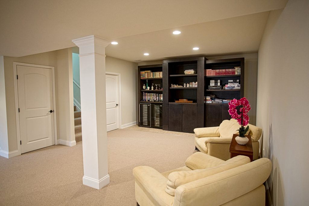 Nice room with large cabinet