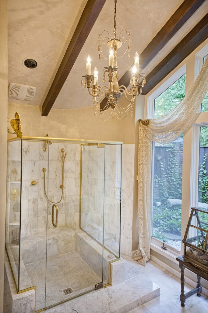 Elegant shower room