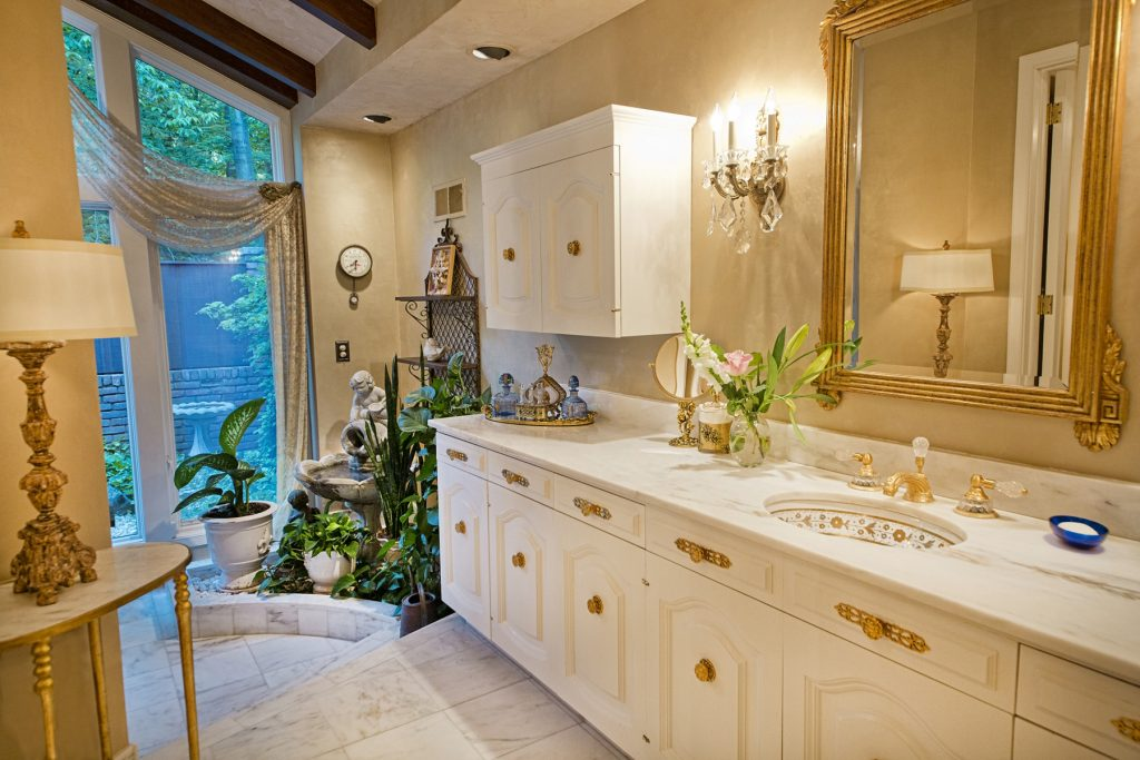 Elegant bathroom countertop