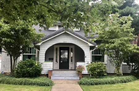 401 E Washington St, Chagrin Falls, Ohio 44022 - Featured Property