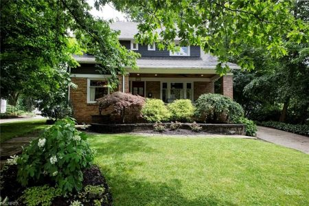 171 S Franklin St, Chagrin Falls, Ohio 44022 - Featured Property