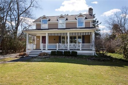 490 Walters Rd, Chagrin Falls, Ohio 44022 - Featured Property