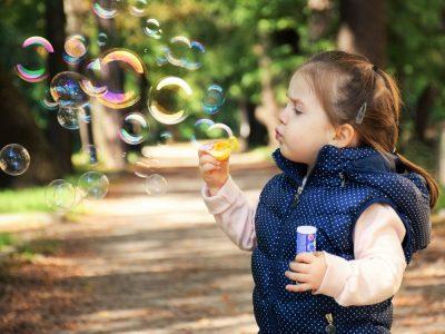 Kid Soap Bubbles